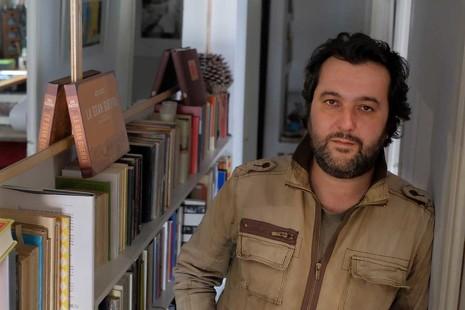 """Álvaro Colomer: """"Es imposible hacer ficción sobre una Barcelona destruida sin tener presente el 'procés"""""""