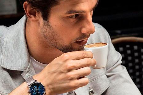 Una declaración de estilo: relojes para quienes ya no miran la hora
