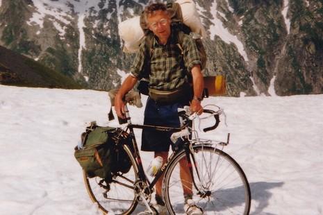 Cómo recorrerse los Alpes en bici (y vivir para contarlo)