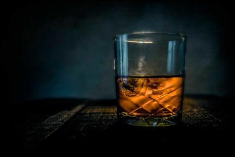 Tragos de invierno: los 5 mejores cócteles preparados con whisky